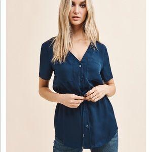 Dynamite dk blue short sleeve tunic blouse M nwot